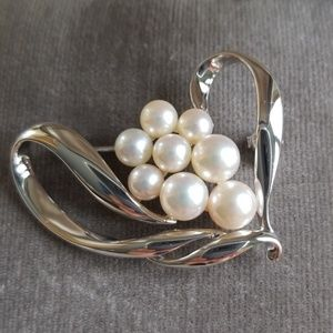 Mikimoto Sterling Heart Full of Pearls Pin
